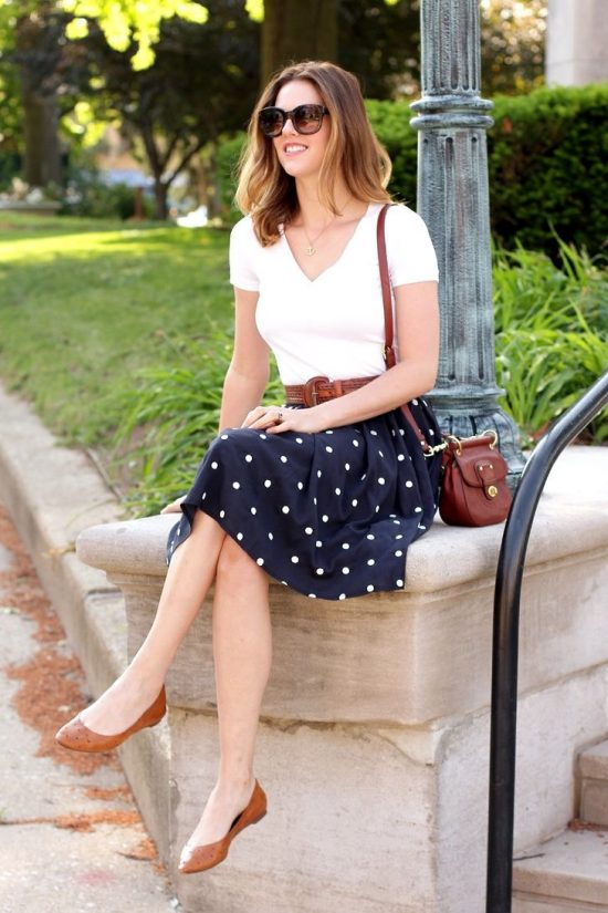 5026e2b6325 How to look chic in flat shoes - Styled By Sally